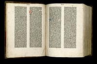 Image of the Gutenberg Bible open to pages 009 verso and 010 recto.